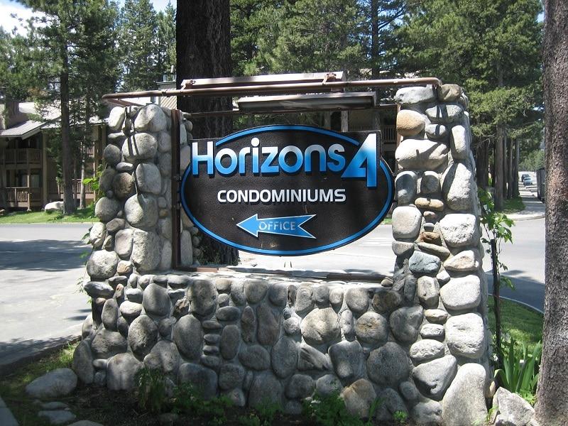 Horizons 4 Sign